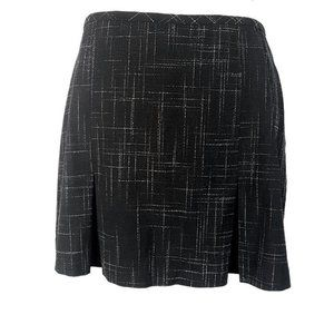 Le Chateau Small Zip-Up Pleated Black Short Skirt